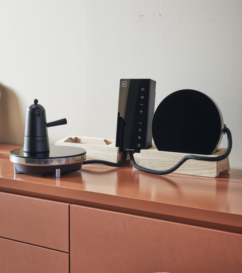 The one thing that normally gets sacrificed when utility and practicality are mentioned is how things look.  Not with Fabita's range. Adriano Design have created a unique look that gives personality to even the smallest of spaces.  Take the Ordine hob; it's so beautiful that when it's hung on the wall it recalls the elegance of state-of-the-art sound systems.